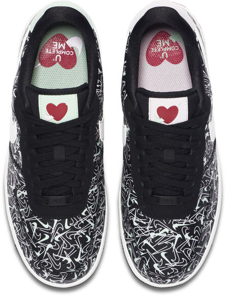 Air Force 1 '07 Valentines Day sneakers